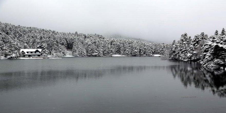 Bolu Abant Gölü kar manzarası havadan görüntüleri