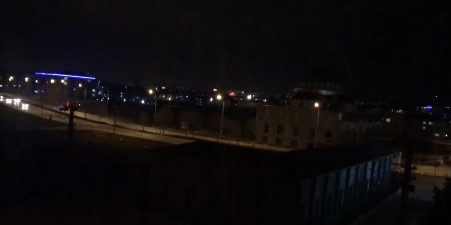 Konya'da yatsı namazı sonrası camilerde dua edildi