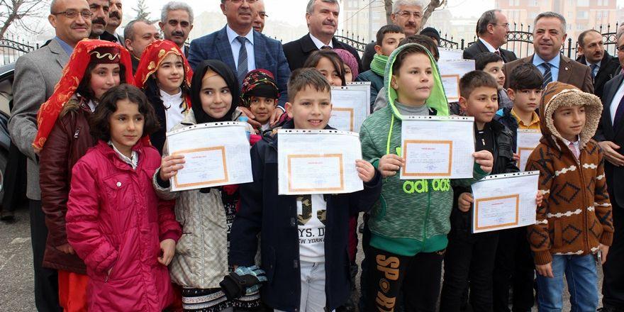 Konya'da 2016-2017 eğitim-öğretim yılının ilk karneleri dağıtıldı