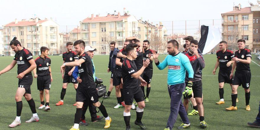Emirgazi Süper Amatör Lig'e çıktı saha karıştı