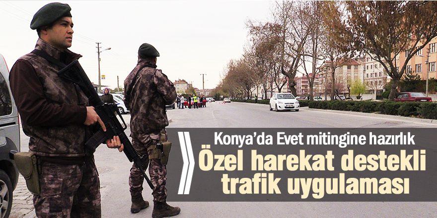 Konya'da özel harekat destekli trafik uygulamasıKaynak: Konya'da özel harekat destekli trafik uygulaması