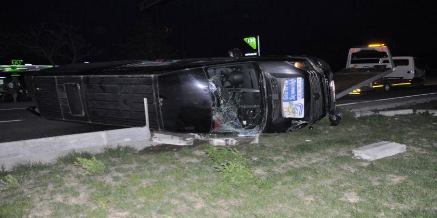 Konya'da güreşçileri taşıyan minibüs kaza yaptı: 12 yaralı