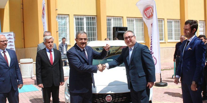Fiat'tan Selçuk Üniversitesi'ne Egea hediyesi