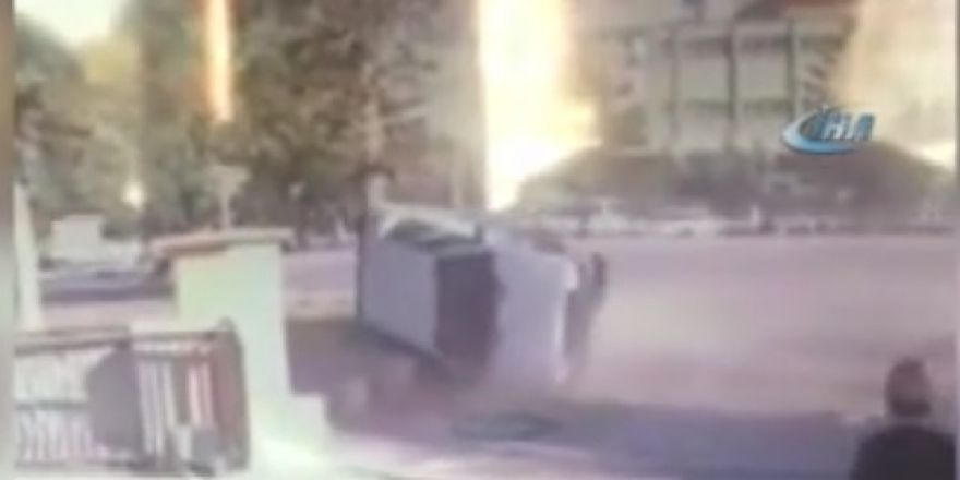 Kontrolden çıkan otomobil kaldırıma devrildi: 4 yaralı