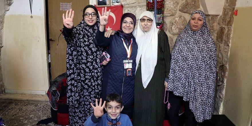 Filistinli kızların şiiri: Neredesin Selahaddin...